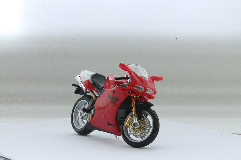 Коллекционная модель мотоцикла Ducati 998R 1:18