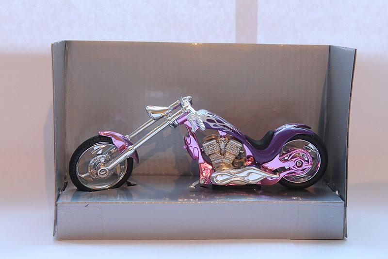 Коллекционная модель мотоцикла Chopper Custom 1:18