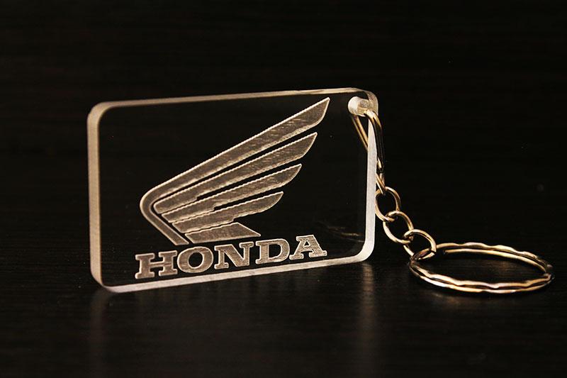 Брелок с логотипом Honda