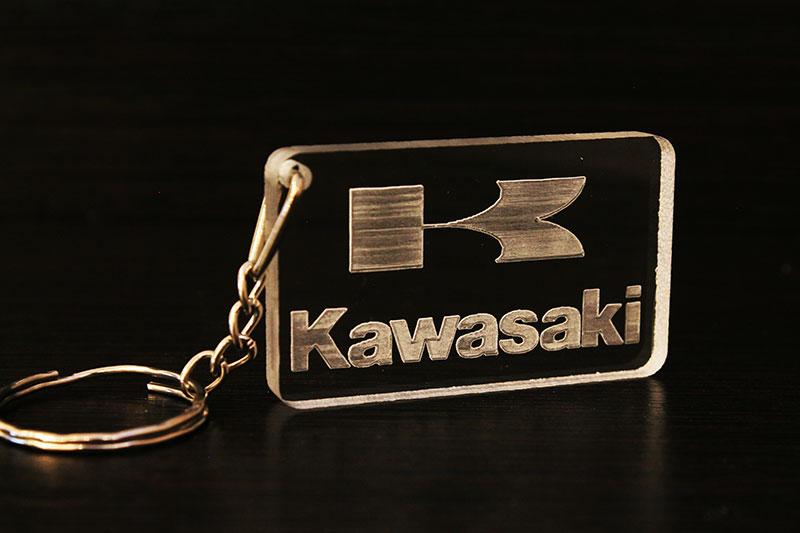 Брелок с логотипом Kawasaki